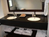 Double plan vasque solid surface