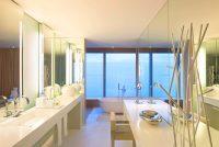 Salle de bain hôtel solid surface