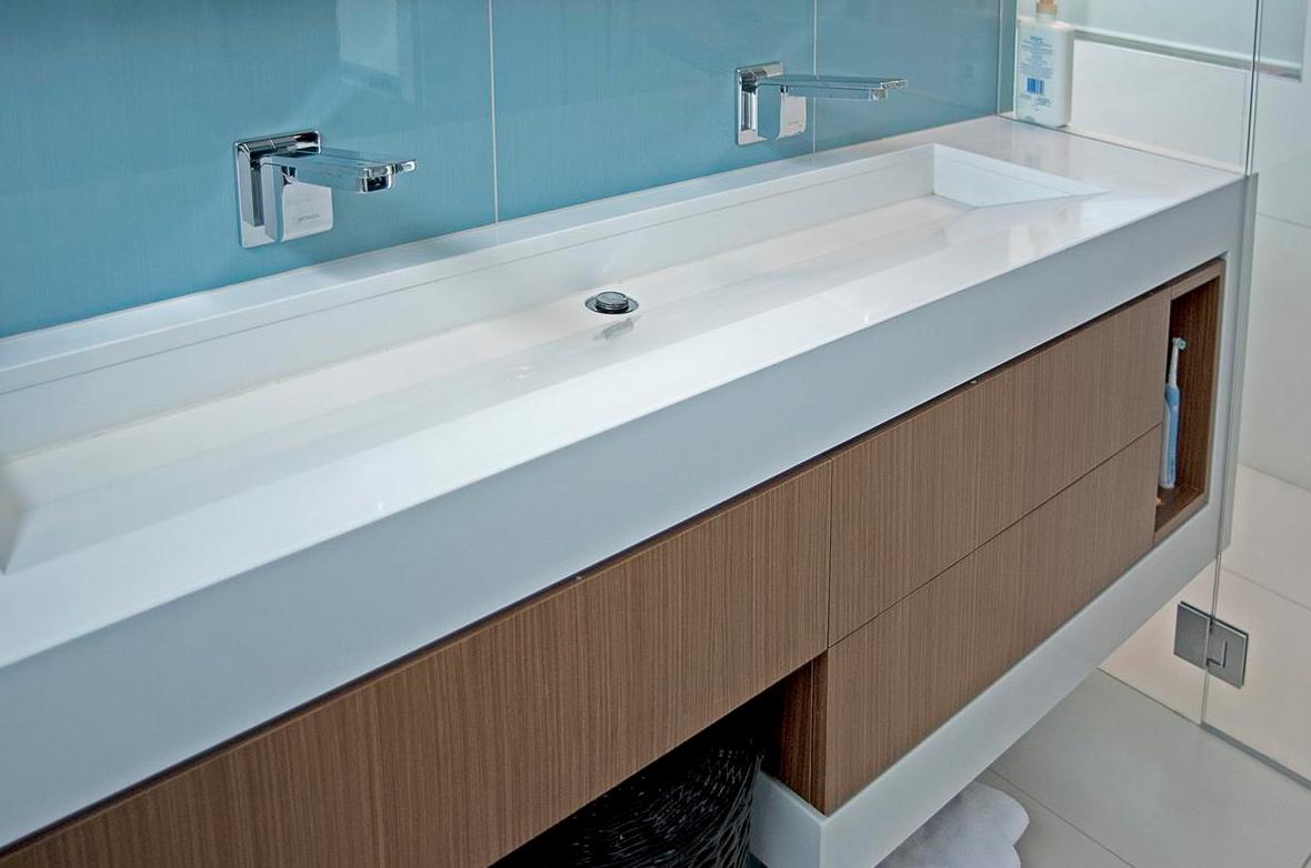 Plan vasque en solid surface